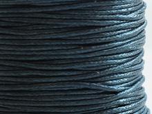 Качественный натуральный вощеный шнур из 100% хлопка, крепкий, экологически чистый, приятный на ощупь. Цвет черный. 1 мм.