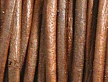 Кожаный шнур круглый 1.5 мм., цвет темно-красно коричневый, (3 тона) отличного качества, цена за 1 метр.