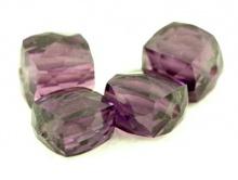 Камень-Александрит ограненный кубик