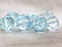 Бусина огранённая, шарик 6 мм., камень натуральный-топаз голубой, алмазная огранка, цвет-голубой, чистый, диаметр шарика-6 (+-0,2) мм.