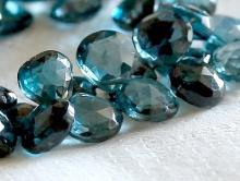 лондон топаз (голубой), бусина огранённая формы лепесток, цвет сине-голубой прозрачный