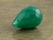 Бусина бриолет огранённый, камень -хризопраз натуральный. Цвет-изумрудно-зеленый не светлый.