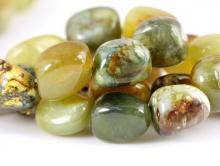 Бусины галтовка, камень зеленый гранат натуральный, средний размер–16х12Х9,5 +-0,5 мм.