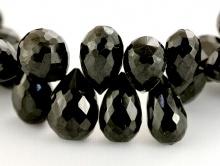 Бусина формы огранённого бриолета, камень-чёрная шпинель натуральная, ограненная капля (больше средней)