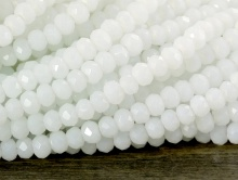 Рондели мелкие-бусины огранённые стеклянные, Цвет бусин-белый непрозрачный, матовый.