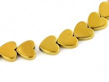 Бусины камень-натуральный гематит тонированный. Форма-сердечко плоское размер д/ш/т-7.3х8х2 мм.
