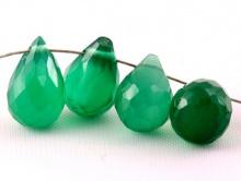 Бусина малая (бриолет) капля граненая, камень-хризопраз натуральный, цвет-зеленый (изумрудный), полупрозрачный,
