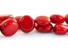 Коралл натуральный форма таблетка гладкая цвет-кроваво-красный, размер: длина/ширина 11х5 (+-0,5 мм.)