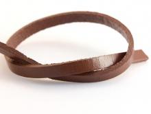 Кожаный шнур плоский 4,8х1,7 мм,  для украшений, цвет-коричневый, плотный, средней жесткости