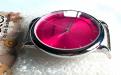 Кварцевые часы HARMI, цвет корпуса серебристый, цыферблат цвета фуксии с серебристой отделкой, длина корпуса 52 мм. ширина 44 мм.