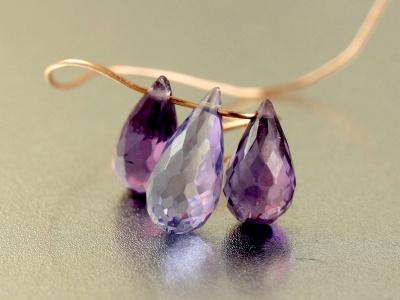 Бусина-тонкий бриолет оранённый, камень александрит ограненный искусственно выращенный, Цвет-сиренево-розовый+зелёный в зависимости от освещения,