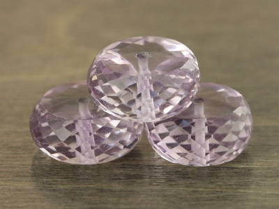 Класс премиум, бусина огранённая, размер рондели: шир/выс-11.5х6 +-0,2 мм. вн. отв. 0,6 мм., камень натуральный-аметист чистый,