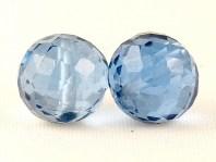 Бусина круглая огранённая, камень - голубая шпинель искусственновыращенная, цвет-тёплый голубой, прозрачный.