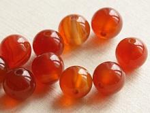 Бусина из натурального камня-сердолик, форма гладкий шарик, цвет-сочный оранжевый, полупрозрачный,