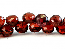 Гранат натуральный, луковка 5х5,5 мм., цвет-красно-коричневый с золотистым оттенком