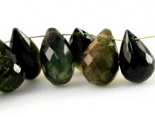 Камень натуральный-турмалин, бусина ограненная, форма-бриолет огранённый, цвет-бутылочно-зеленый, темный,