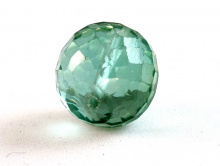 Бусина круглая огранённая, искусственно выращенный камень - шпинель благородная, цвет-холодный зелёный, прозрачный
