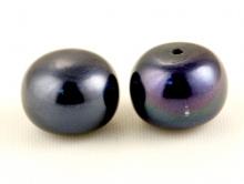 Вставка из натурального жемчуга9х7мм. с несквозным отверстием 1 мм. Цвет - черный, с радужным синевато-фиолетовым переливом (бензиновым).