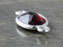 Конннектор серебряный со вставкой из граната, вставка-кабошон полированный, камень натуральный-гранат,красно-вишнёвого прозрачного цвета