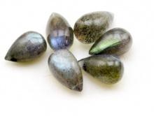 Камень-лабрадор отполированный Цвет-серый с сине-голубым переливом