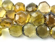 золотистый топаз цвет-желтый, сочный лимонно-золотистый, чистый, прозрачный.
