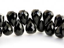 Бусина формы огранённого бриолета, камень-чёрная шпинель натуральная, ограненная капля средняя, цвет-угольно-чёрный.
