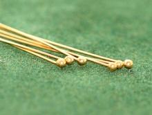 Товар-пин тонкий 0.4 мм. с шариком 1.5 мм. позолоченный для изготовления ювелирных украшений.