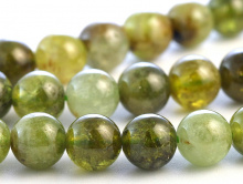 Бусина из натурального камня:гроссуляр -зеленый гранат, полупрозрачный, ближе к прозрачному, цвет-теплый, зеленый -2-3 тона-светлый, желто-зеленый, зелёный,