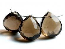 Бусина-лепесток, огранка ручная.Камень натуральный-раух топаз (семейство кварцевых).