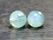 Камень-пренит натуральный, форма бусин-шарик огранённый Цвет-нежный салатовый полупрозрачный (ближе к прозрачному).