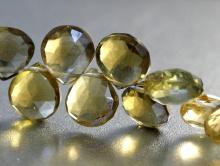 Бусина-лепестокограненный для авторских работHandmade.Каменьнатуральный-золотистый топаз.