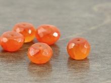 огранённая рондель камень натуральный-сердолик, цвет- оранжевый