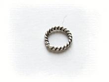 Колечко витое соединительное серебряное чернёное,  закрытое. Материал-серебро 925 пробы. Используется как декоративный элемент