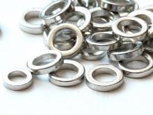 Колечко соединительное плоское закрытое. Размер–6х1 мм. цвет-серебро, (производитель Китай). Используется в рукоделии Handmade.