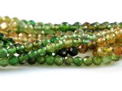 Нить бусин круглых огранённых, камень-турмалин натуральный, Цвет-микс: зелёный, медовый по2-3 тона каждого, средний диаметр бусины: диаметр–2.5