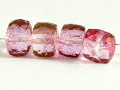 Кварц розовый ограненный бусина кубик средний