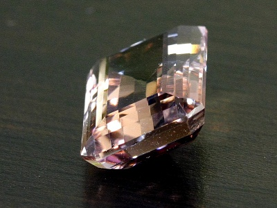 Кристалл аметрина огранённый чистый 25.5 карат (аметист и цитрин в одном кристалле)
