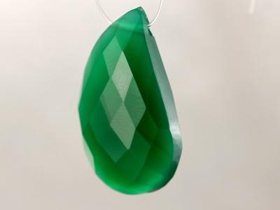 цвет-изумрудно-зелёный, полупрозрачный, Бусина огранённая формы крупного лепеска